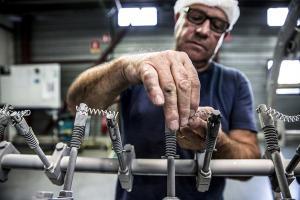 AUGROS FABRICANT DE BOUCHONS POUR LE LUXE